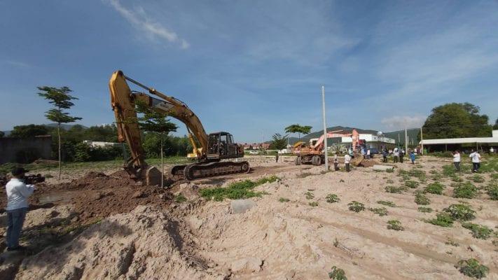 Nhà nước cưỡng chế dỡ bỏ các con đường trái phép được người dân tự ý phân lô và xây dựng