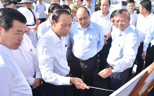 Lãnh đạo tỉnh Bà Rịa - Vũng Tàu trình bày các dự án sự kết nối cảng biển với Thủ tướng Chính phủ