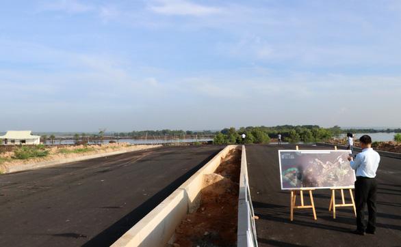 Vị trí sẽ làm cầu Phước An - tức điểm cuối của đường liên cảng Cái Mép- Thị Vải đã được đầu tư xây dựng xong- Ảnh: ĐÔNG HÀ
