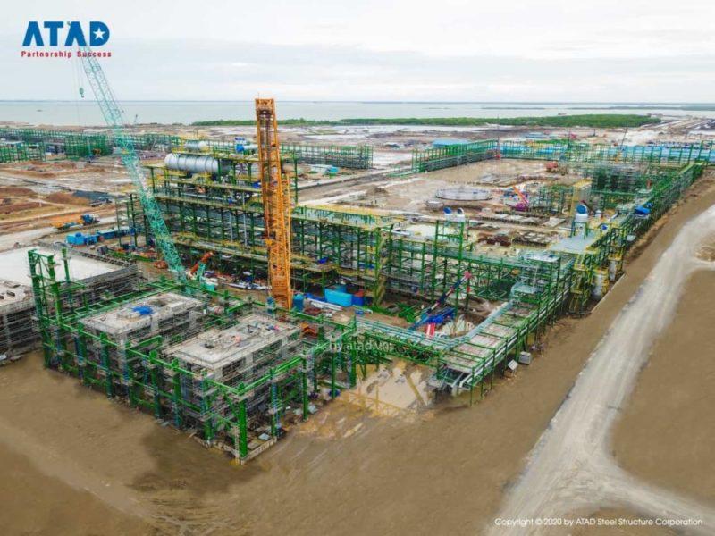 Đến năm 2023, Tổ hợp Hóa dầu Miền Nam dự kiến sẽ đưa vào hoạt động để giúp thay thế và giảm dần việc nhập khẩu các sản phẩm hóa dầu